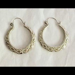 Vintage silver diamond print hoop earrings